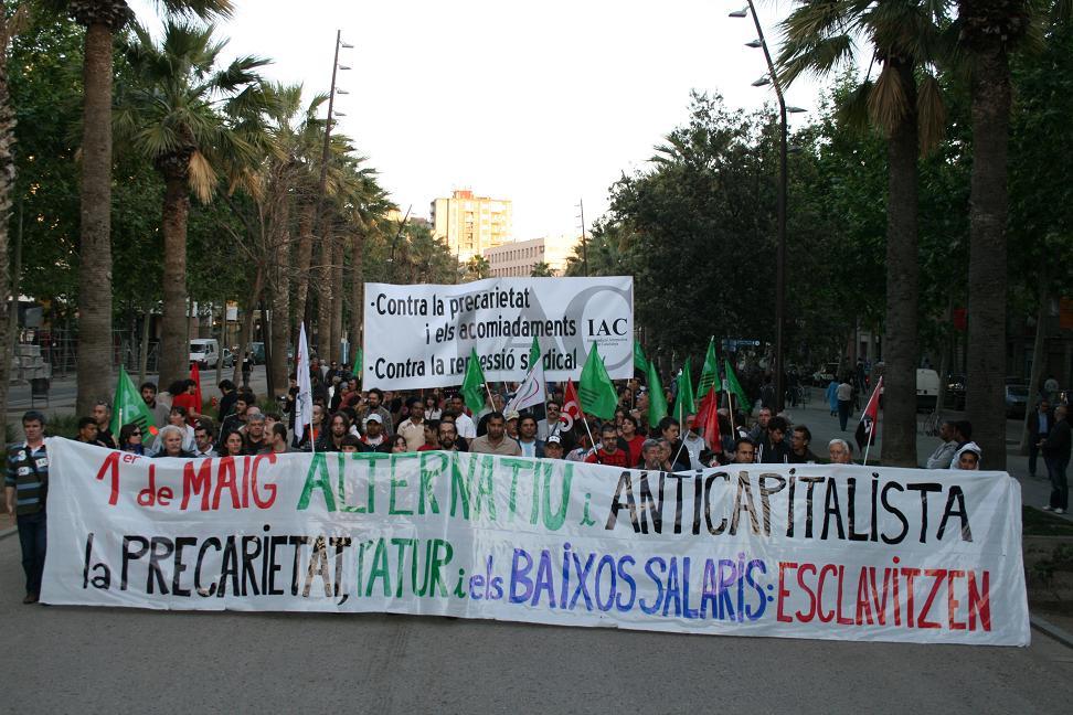 Capçalera principal de la manifestació alternativa i anticapitalista de Barcelona